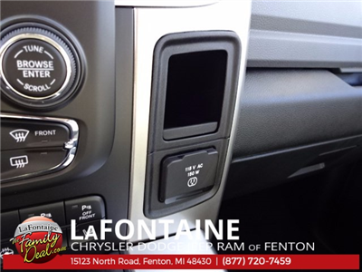 2018 Ram 1500 Crew Cab 4x4 Pickup #18U157 - photo 26