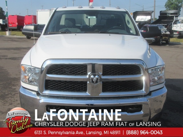 2018 Ram 3500 Regular Cab DRW 4x4,  Cab Chassis #18U2193 - photo 4