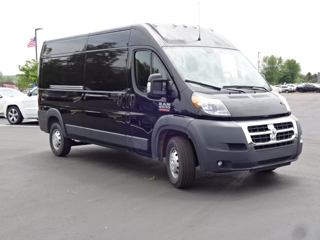 2018 ProMaster 2500 High Roof FWD,  Empty Cargo Van #18U2277 - photo 3