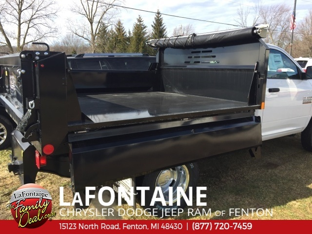2018 Ram 3500 Regular Cab DRW 4x4, Dump Body #18U787 - photo 5