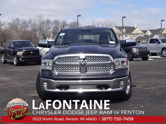 2018 Ram 1500 Crew Cab 4x4, Pickup #18U959 - photo 3