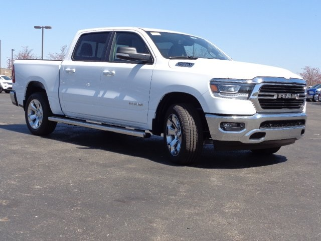 2019 Ram 1500 Crew Cab 4x4, Pickup #19U0106 - photo 3