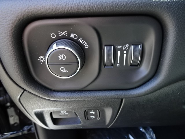 2019 Ram 1500 Crew Cab 4x4,  Pickup #19U0136 - photo 11