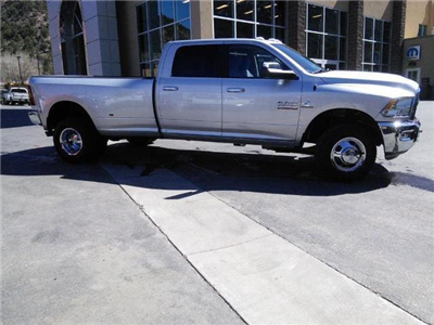 2017 Ram 3500 Crew Cab DRW 4x4, Pickup #180968 - photo 3