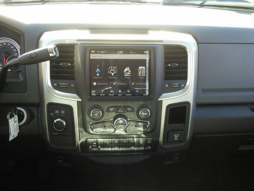 2018 Ram 2500 Crew Cab 4x4, Pickup #181091 - photo 9