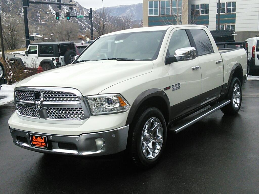 2017 Ram 1500 Crew Cab 4x4, Pickup #181147 - photo 1