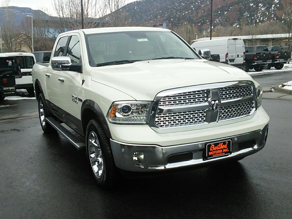 2017 Ram 1500 Crew Cab 4x4, Pickup #181147 - photo 3