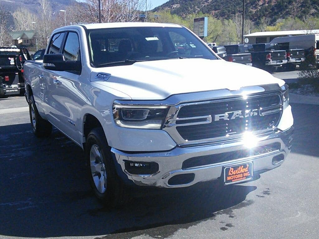 2019 Ram 1500 Crew Cab 4x4, Pickup #181174 - photo 3
