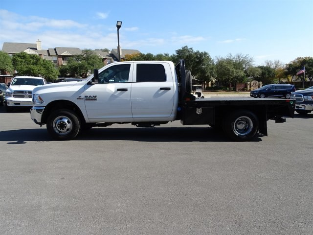 2018 Ram 3500 Crew Cab DRW 4x4 Platform Body #B100695 - photo 3