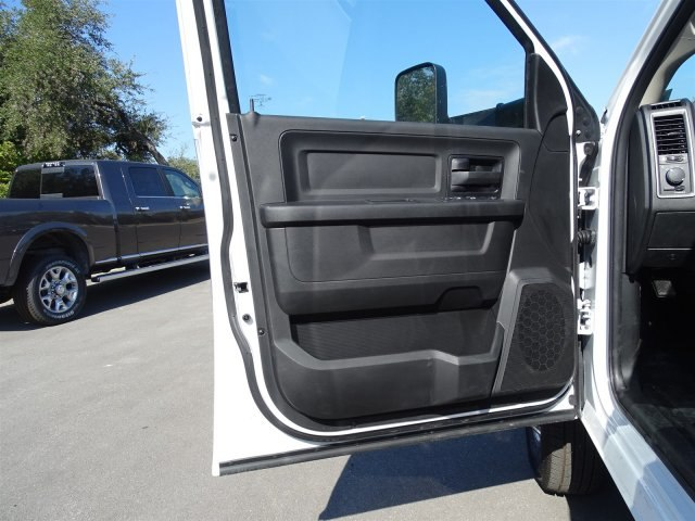 2018 Ram 3500 Crew Cab DRW 4x4 Platform Body #B100695 - photo 11