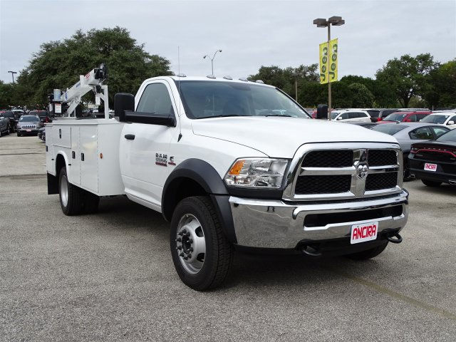2018 Ram 5500 Regular Cab DRW Mechanics Body #B103127 - photo 5