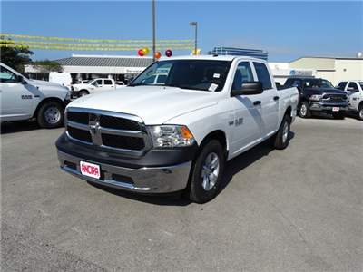 2018 Ram 1500 Crew Cab, Pickup #B122765 - photo 1