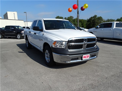 2018 Ram 1500 Crew Cab, Pickup #B122765 - photo 5