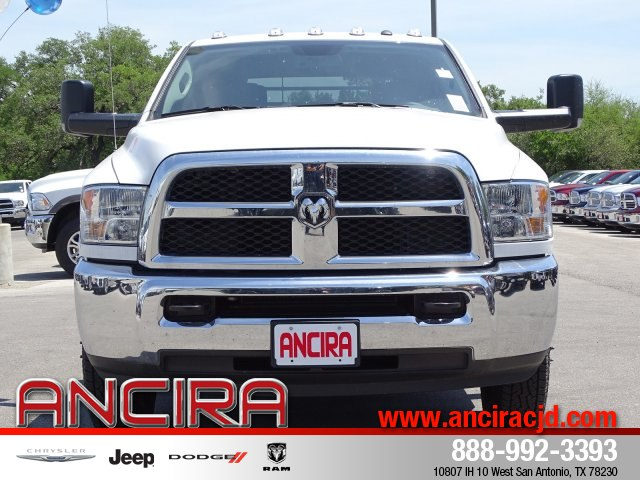 2018 Ram 3500 Crew Cab DRW 4x4,  Platform Body #B236894 - photo 3