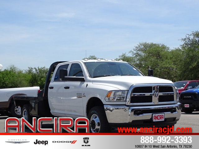 2018 Ram 3500 Crew Cab DRW 4x4,  Platform Body #B236894 - photo 4