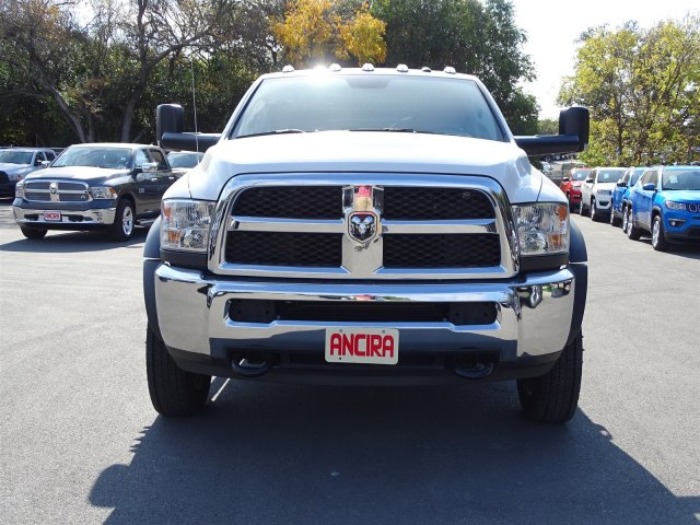 2017 Ram 5500 Crew Cab DRW 4x4 Platform Body #B504150 - photo 4