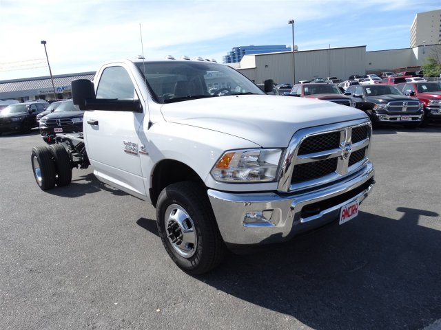 2017 Ram 3500 Regular Cab DRW 4x4, Cab Chassis #B536411 - photo 4