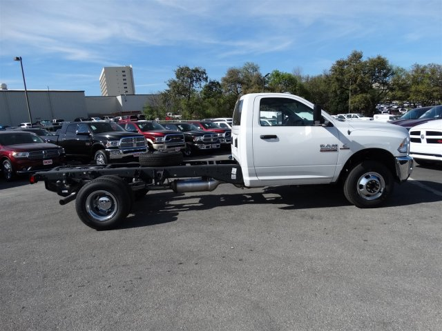 2017 Ram 3500 Regular Cab DRW 4x4, Cab Chassis #B536411 - photo 5