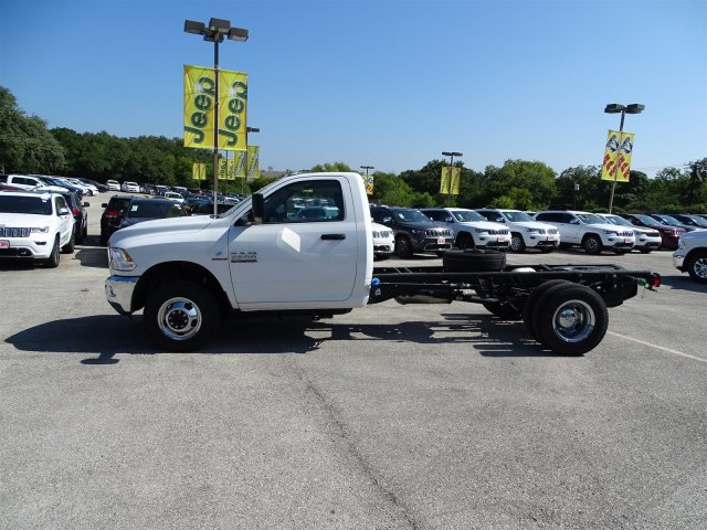 2017 Ram 3500 Regular Cab DRW 4x4 Cab Chassis #B536411 - photo 3