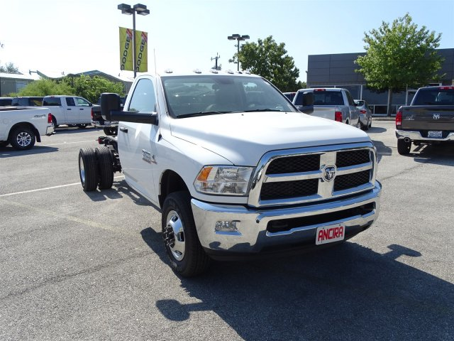 2017 Ram 3500 Regular Cab DRW 4x4 Cab Chassis #B536411 - photo 5