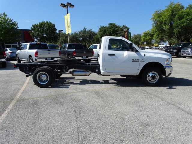 2017 Ram 3500 Regular Cab DRW 4x4 Cab Chassis #B536411 - photo 6