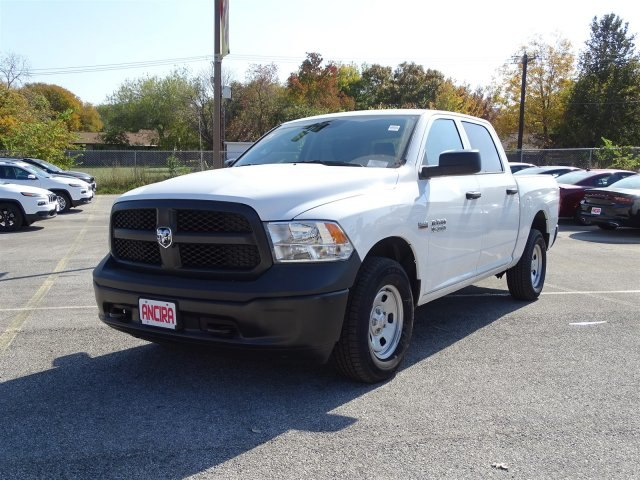2017 Ram 1500 Crew Cab 4x4 Pickup #B665826 - photo 1