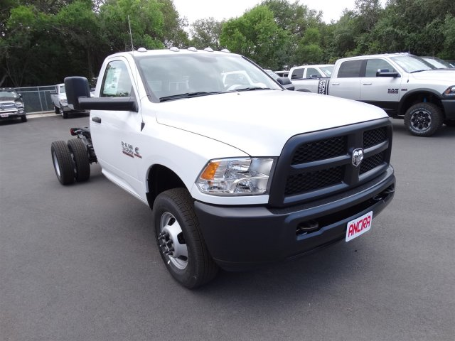 2017 Ram 3500 Regular Cab DRW, Cab Chassis #B669889 - photo 4