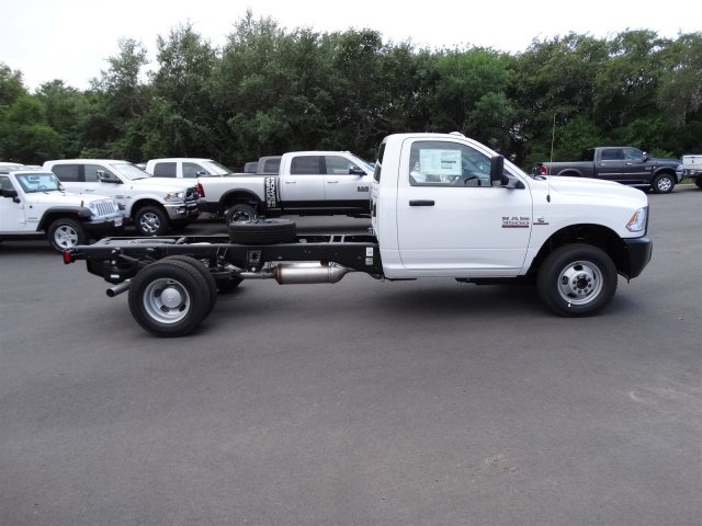 2017 Ram 3500 Regular Cab DRW, Cab Chassis #B669889 - photo 5