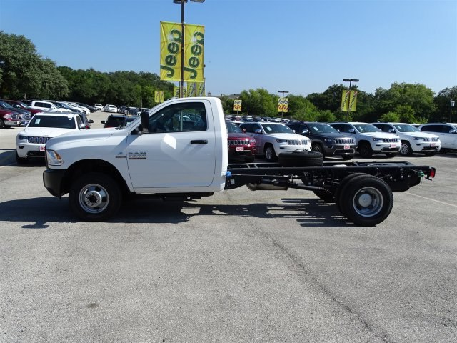 2017 Ram 3500 Regular Cab DRW 4x4 Cab Chassis #B692308 - photo 3