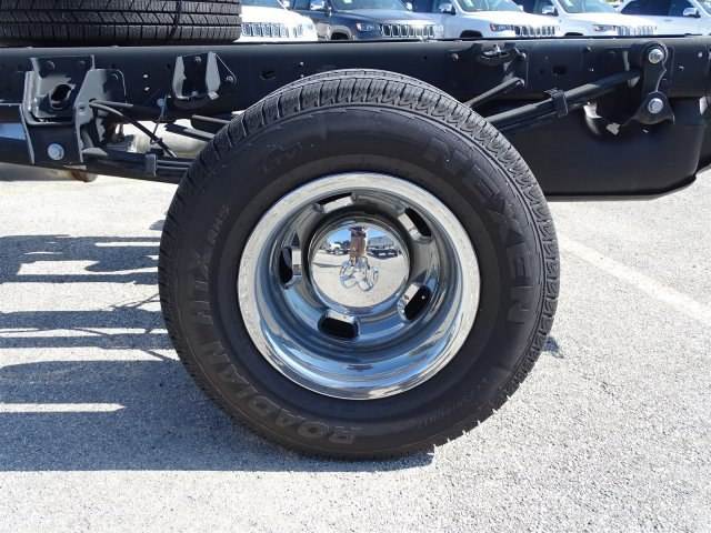 2017 Ram 3500 Regular Cab DRW 4x4 Cab Chassis #B692308 - photo 22