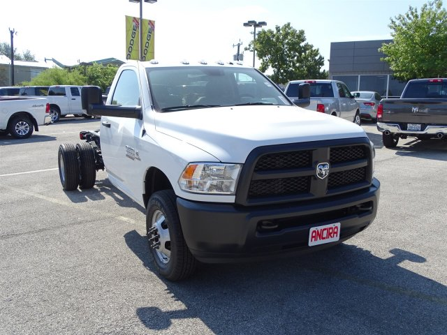 2017 Ram 3500 Regular Cab DRW 4x4 Cab Chassis #B692308 - photo 5