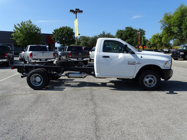 2017 Ram 3500 Regular Cab DRW 4x4 Cab Chassis #B692308 - photo 6