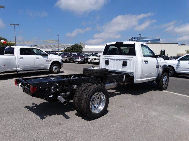 2017 Ram 5500 Regular Cab DRW, Cab Chassis #B699100 - photo 6