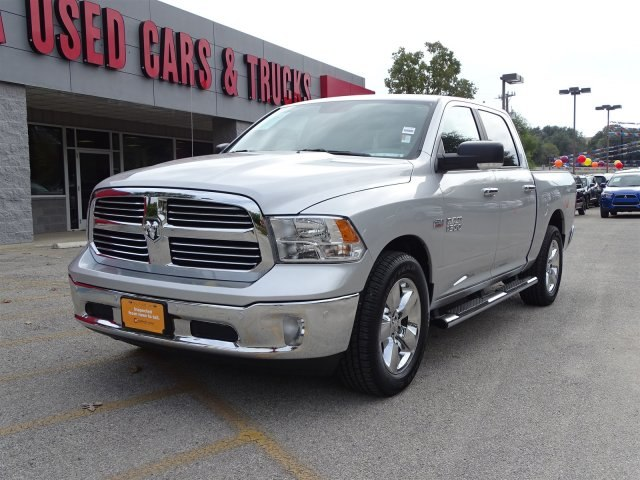 2017 Ram 1500 Crew Cab Pickup #B701492A - photo 4