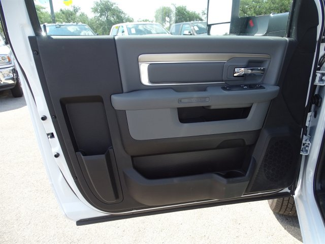 2017 Ram 3500 Regular Cab DRW 4x4 Platform Body #B758951 - photo 11