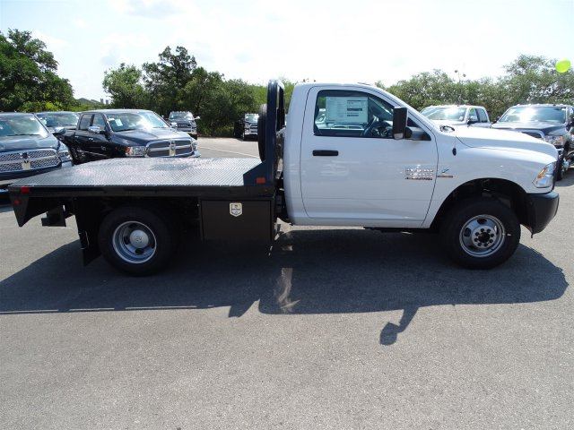 2017 Ram 3500 Regular Cab DRW 4x4 Platform Body #B758951 - photo 5