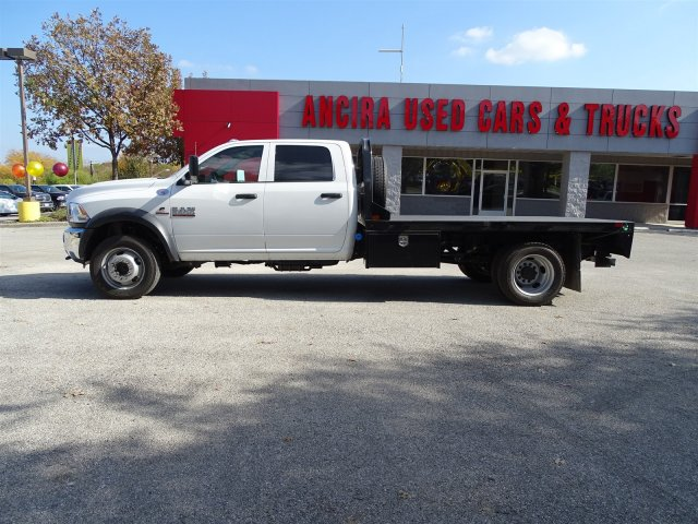 2017 Ram 5500 Crew Cab DRW 4x4 Platform Body #B773100 - photo 3