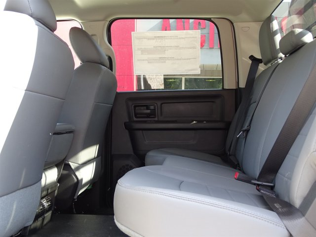 2017 Ram 5500 Crew Cab DRW 4x4 Platform Body #B773100 - photo 13