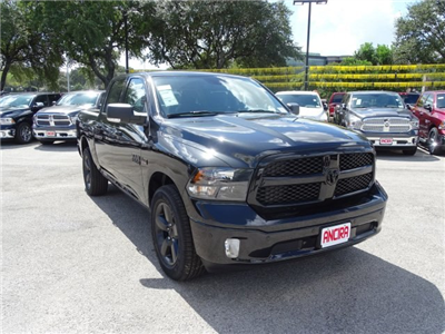 2018 Ram 1500 Crew Cab 4x4 Pickup #R125937 - photo 5