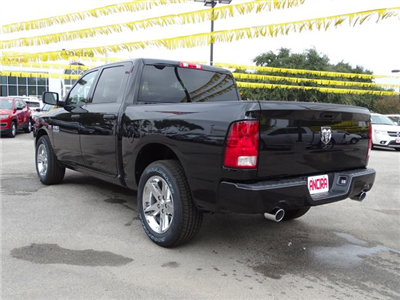 2018 Ram 1500 Crew Cab, Pickup #R129060 - photo 2