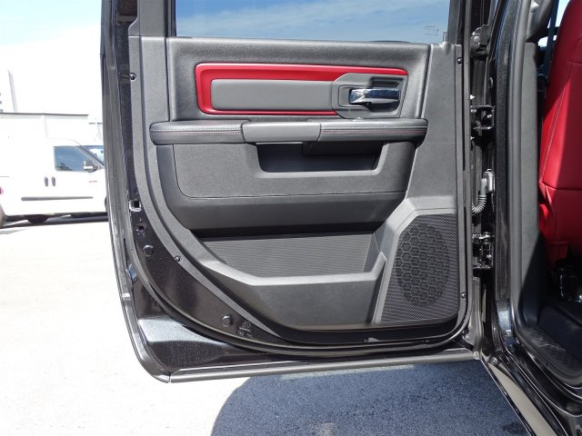 2018 Ram 1500 Crew Cab 4x4, Pickup #R234827 - photo 14