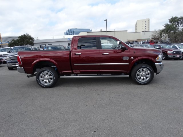 2017 Ram 2500 Crew Cab 4x4, Pickup #R612223 - photo 5