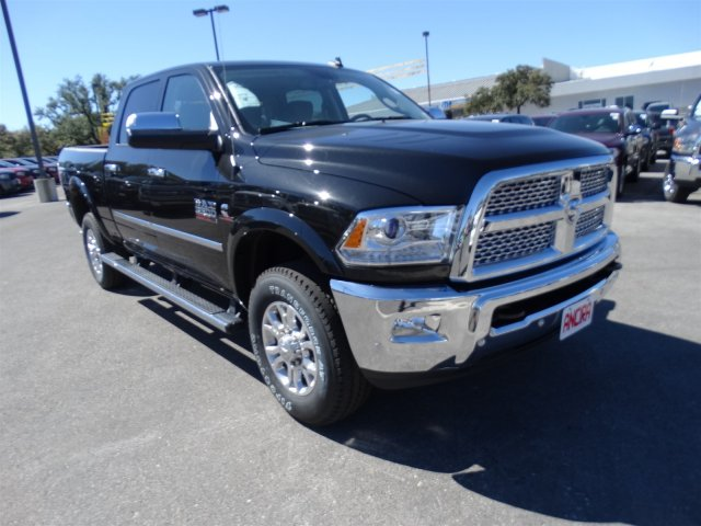 2017 Ram 2500 Crew Cab 4x4, Pickup #R612227 - photo 4