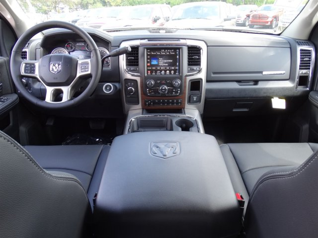 2017 Ram 2500 Crew Cab 4x4, Pickup #R648597 - photo 16