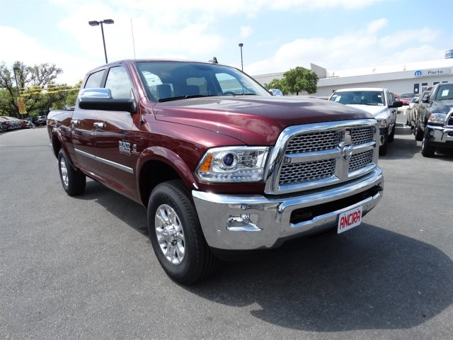 2017 Ram 2500 Crew Cab 4x4, Pickup #R648597 - photo 4