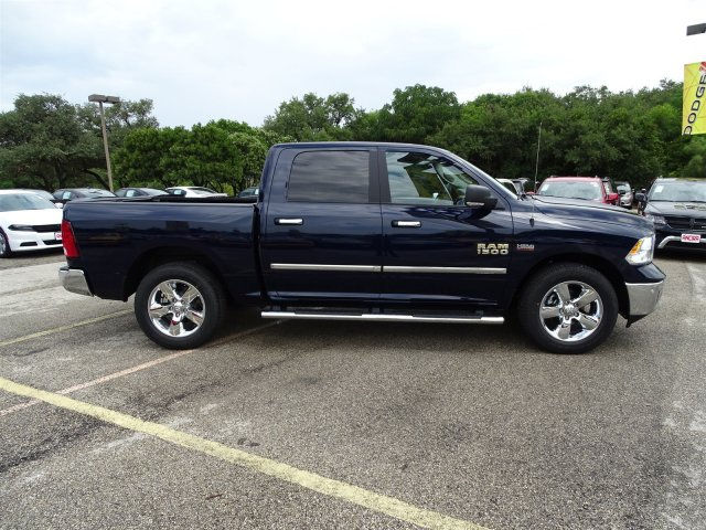 2017 Ram 1500 Crew Cab Pickup #R790059 - photo 6