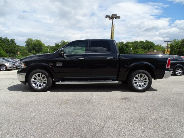 2017 Ram 1500 Crew Cab Pickup #R847928 - photo 3