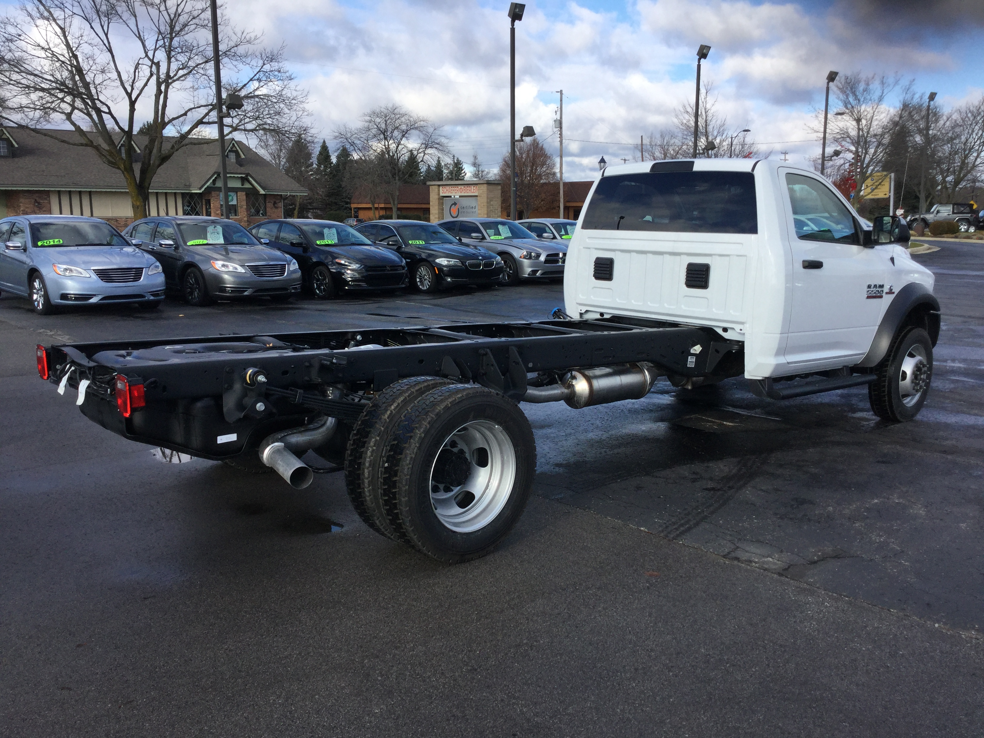 2017 Ram 5500 Regular Cab DRW 4x4, Cab Chassis #17162 - photo 6