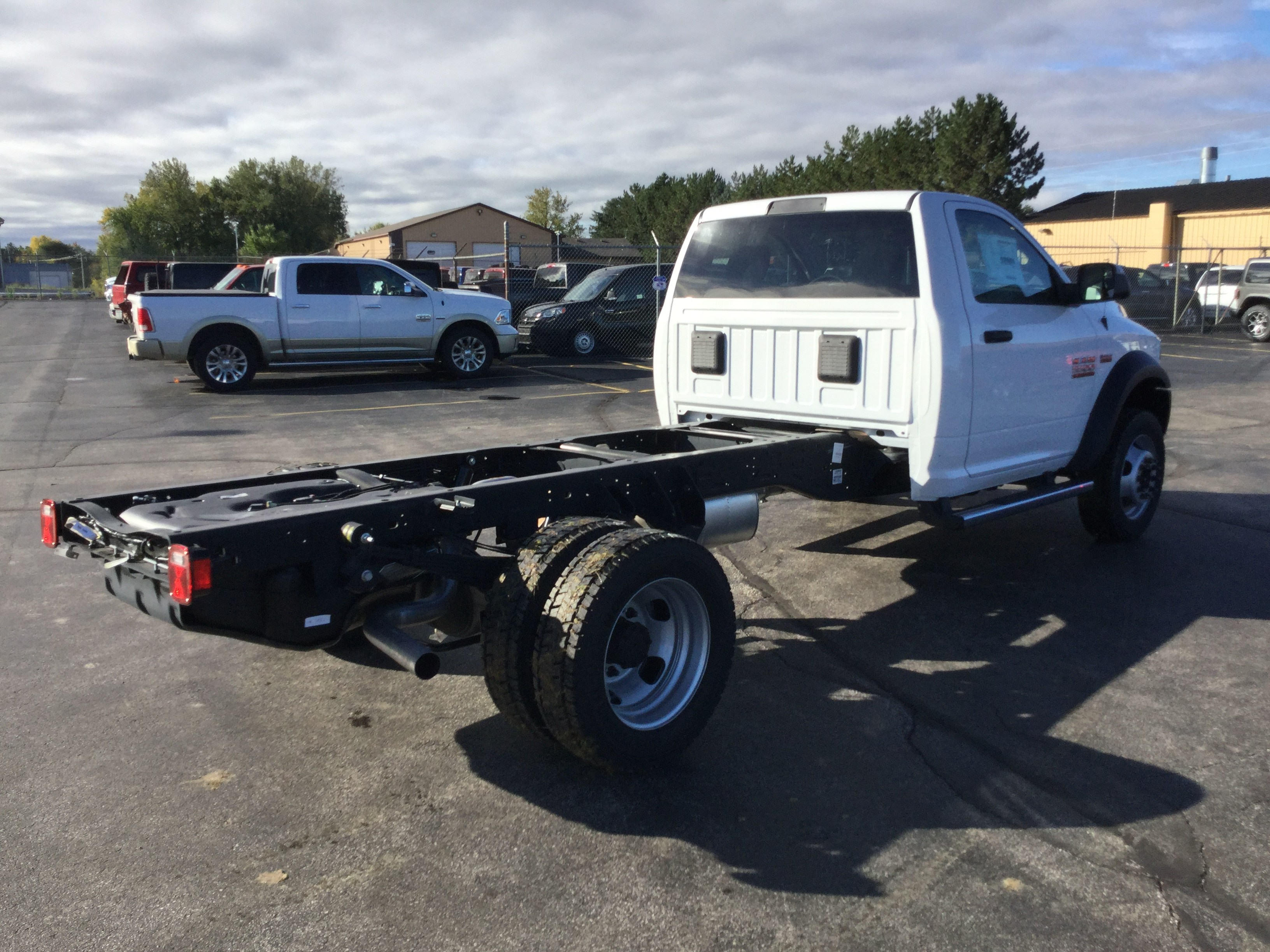 2018 Ram 5500 Regular Cab DRW 4x4,  Cab Chassis #181167 - photo 5