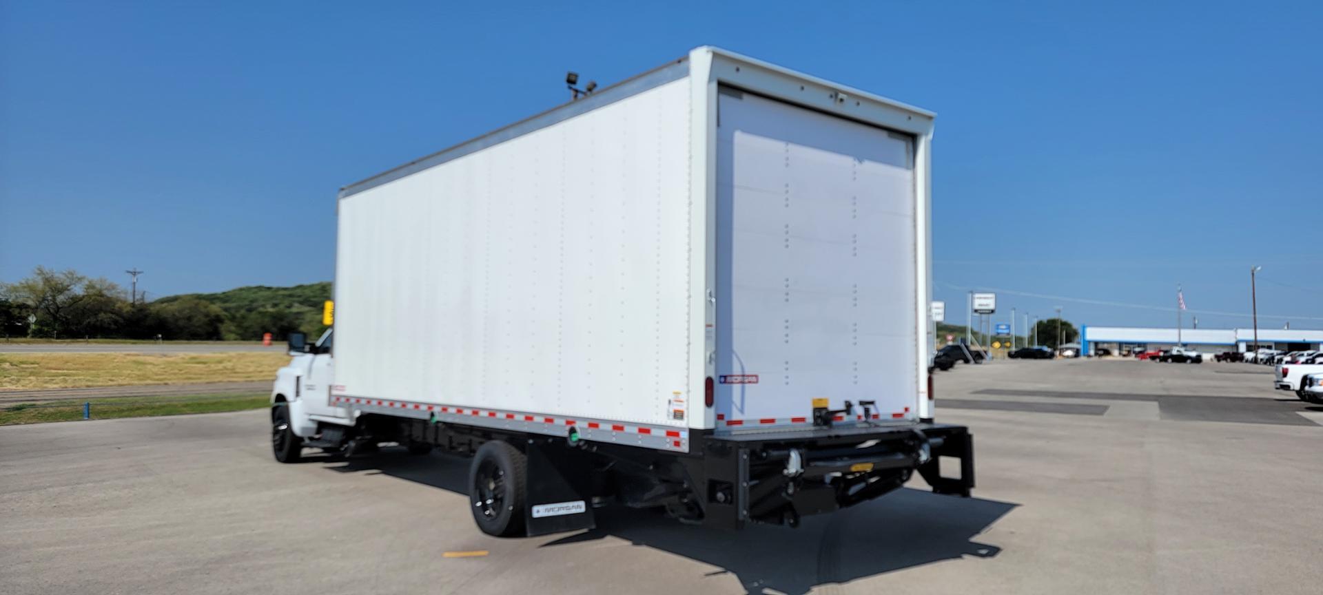 2020 Chevrolet Silverado 6500 Regular Cab DRW 4x2, Morgan Dry Freight #5009400 - photo 1